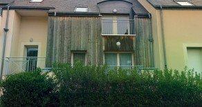 Saint-Armel (35.230) Location T3 avec balcon et garage.